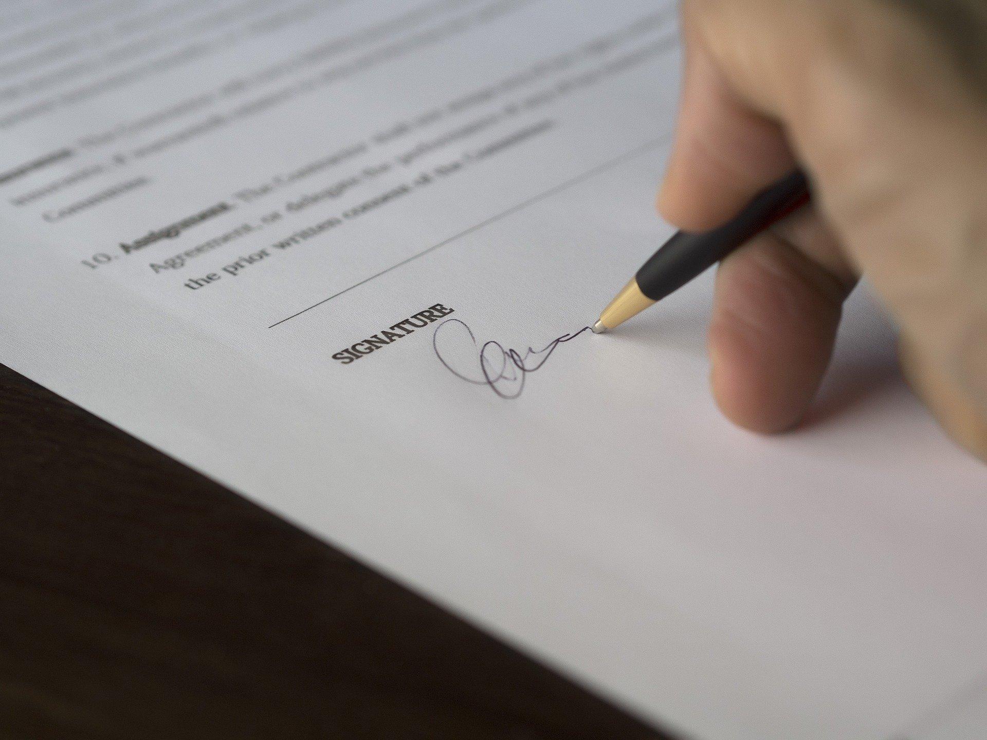 signature d'un prêt imobilier